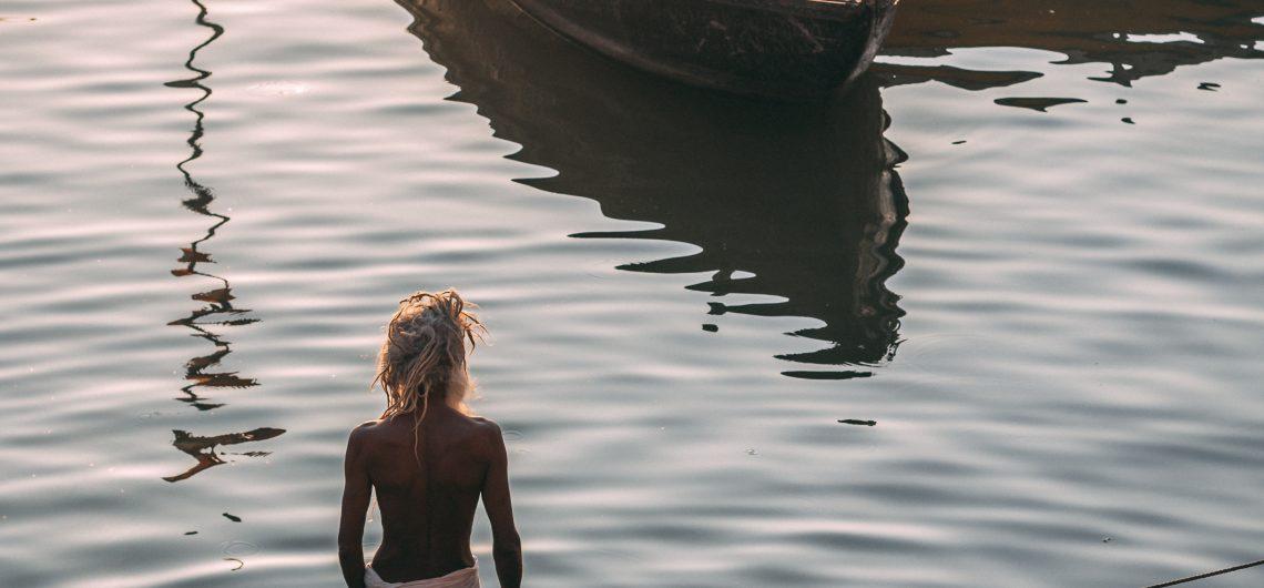Viajes Beagle te recomienda este paseo en barca por el Ganges