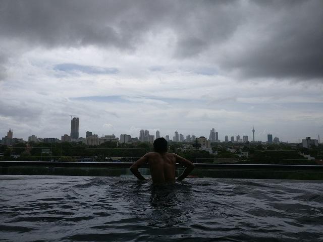 Monzon en Colombo