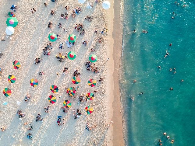 playa con clima en brasil soleado